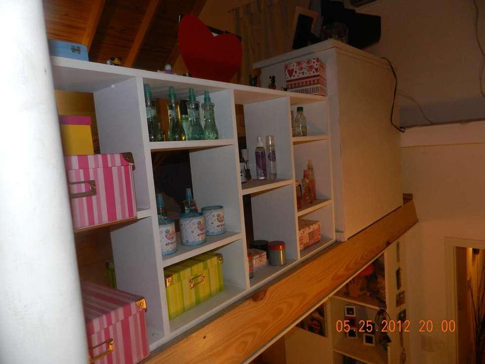 Cerramiento Entrepiso: Dormitorios de estilo moderno por Arq Andrea Mei   - C O M E I -