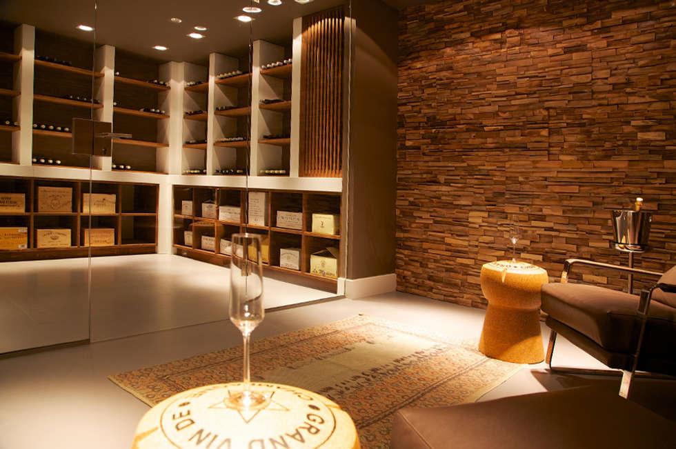 Villa in t gooi: moderne wijnkelder door designa interieur