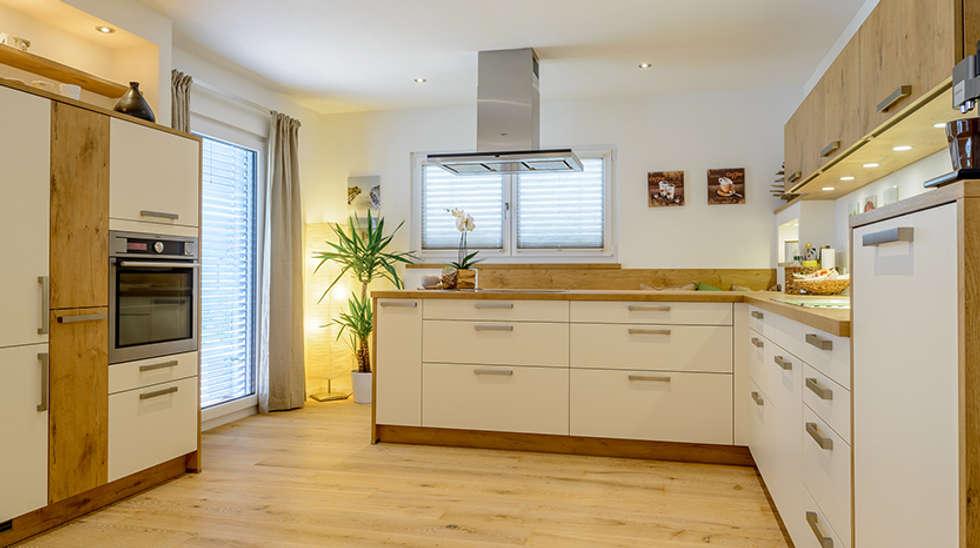 Moderne doppelhäuser satteldach  Elegantes Doppelhaus mit 2 Vollgeschossen und Satteldach von ...