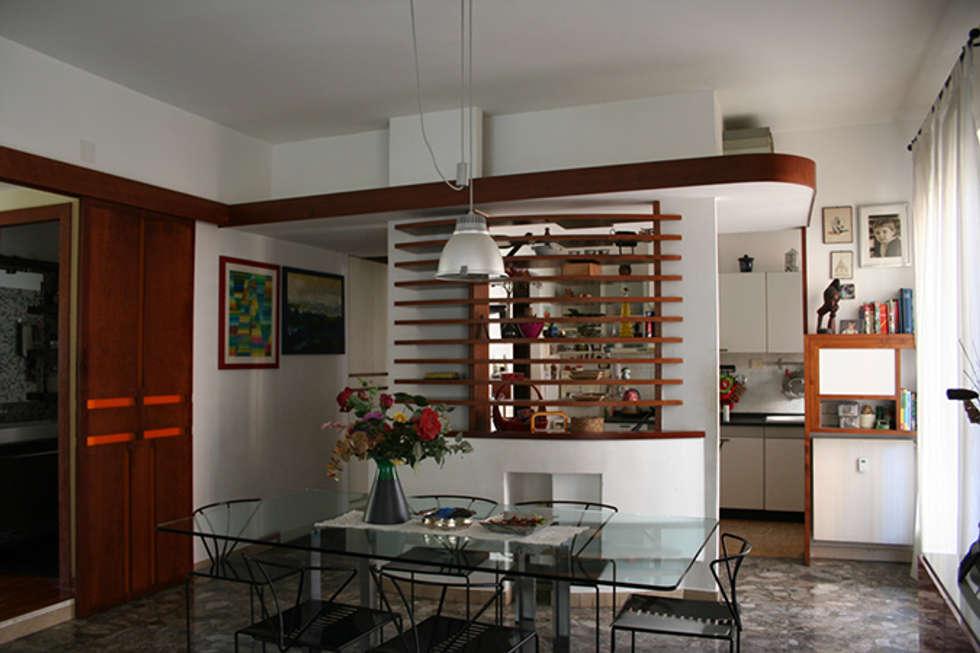 Architettura d'interni a Roma: Soggiorno in stile in stile Moderno di PARIS PASCUCCI ARCHITETTI