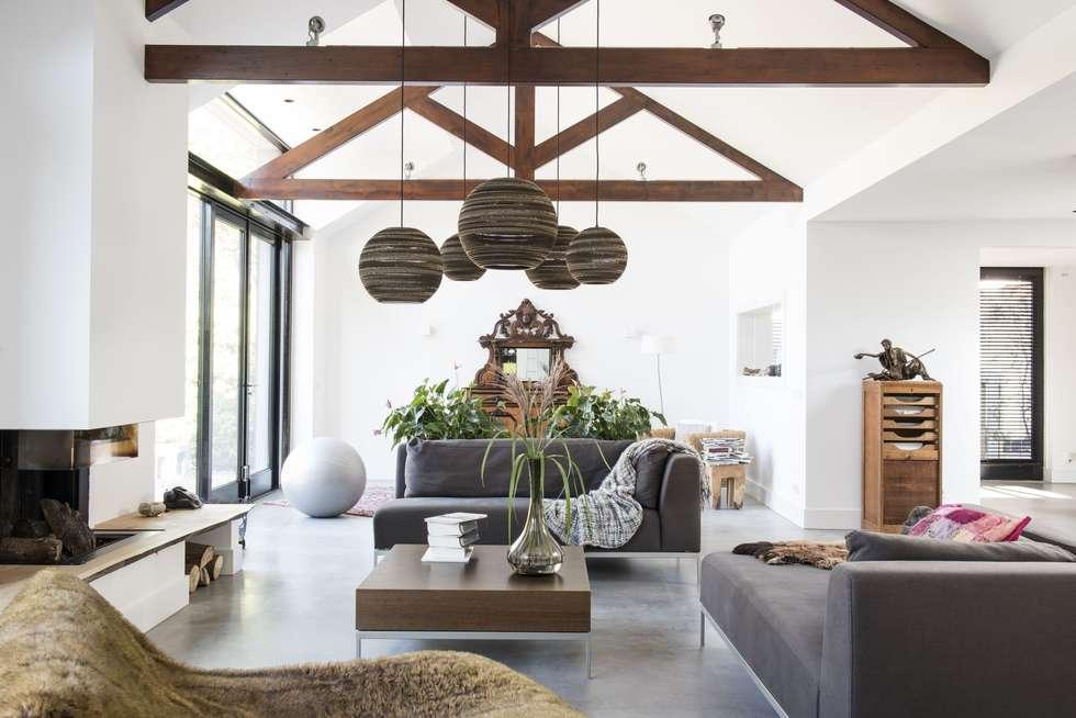 Moderne Traditionele Woonkamer : Verrassende uitbouw achter traditionele gevel: moderne woonkamer