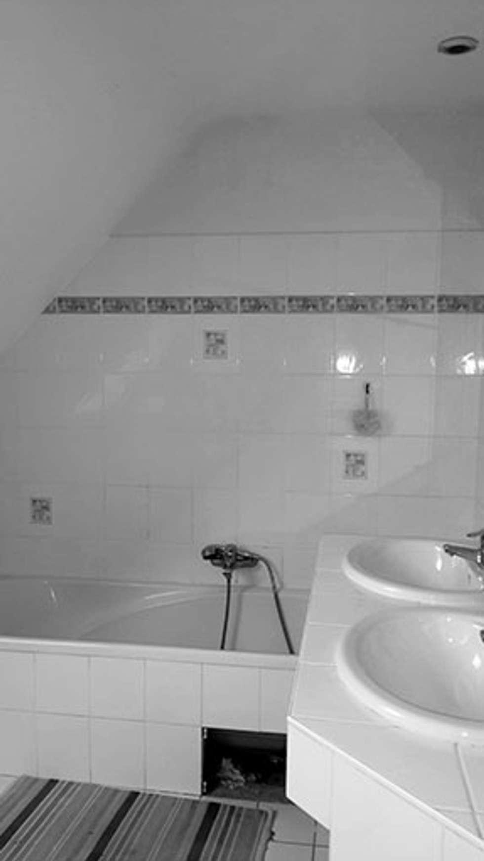 avant: Salle de bains de style  par Lydie Gatignol