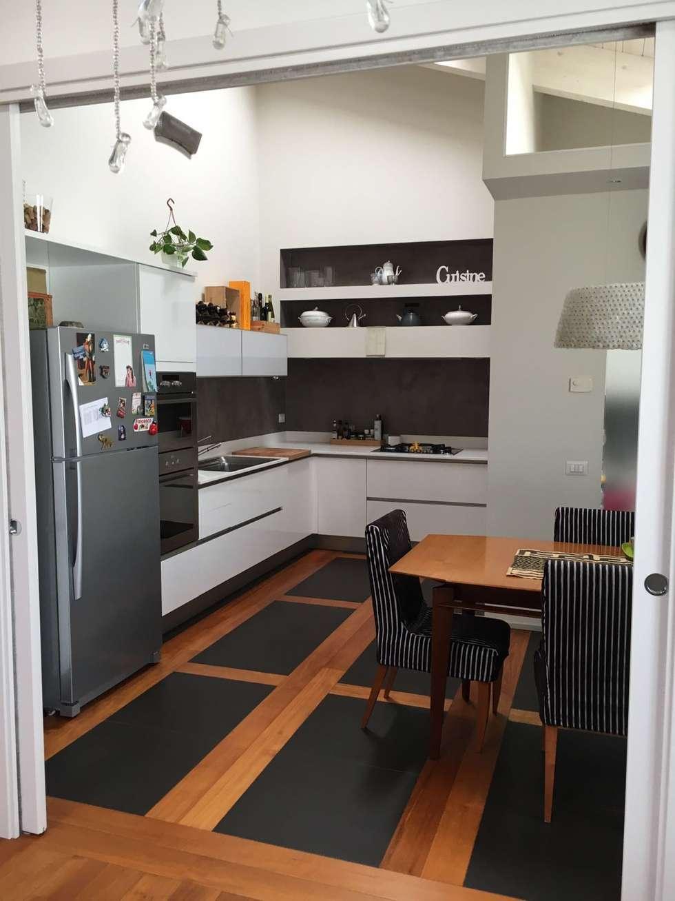 cucina: Cucina in stile in stile Moderno di bilune studio