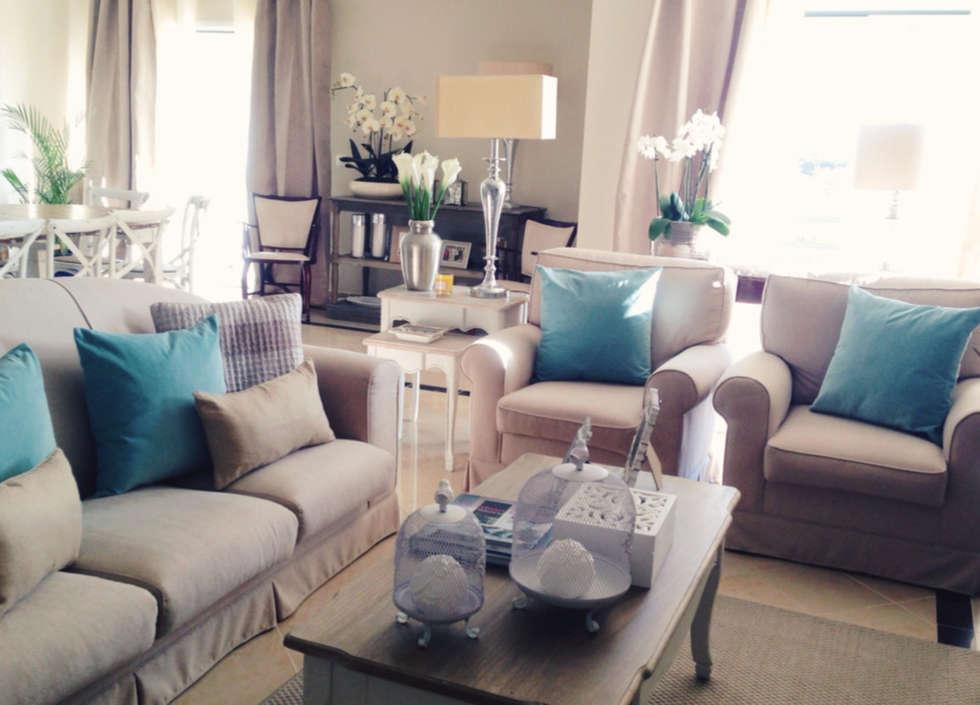 Sala - Zona de Estar : Salas de estar campestres por Rafaela Fraga Brás Design de Interiores & Homestyling