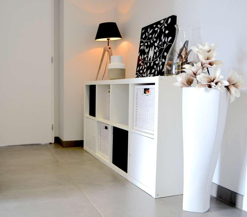 amenagement et decoration d 39 interieur couloir et hall d 39 entr e de style par samantha decoration. Black Bedroom Furniture Sets. Home Design Ideas