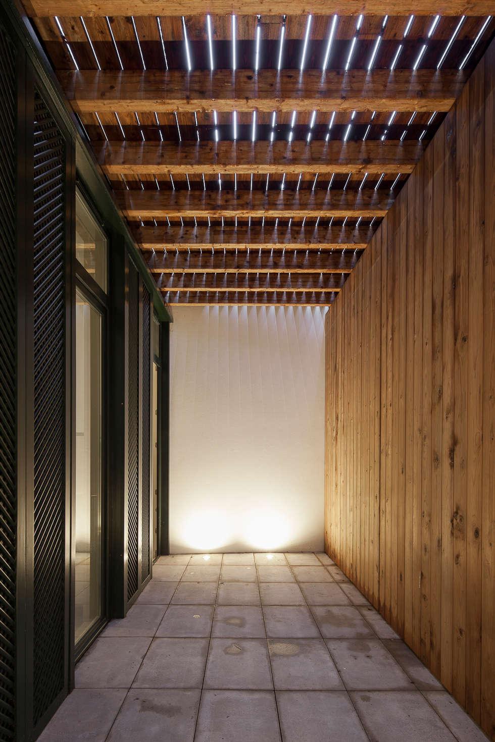 Casa das Gelosias: Terraços  por Marta Campos - Arquitectura, Reabilitação e Eficiência Energética