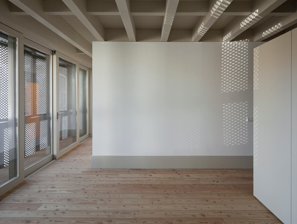 Casa das Gelosias: Quartos ecléticos por Marta Campos - Arquitectura, Reabilitação e Eficiência Energética