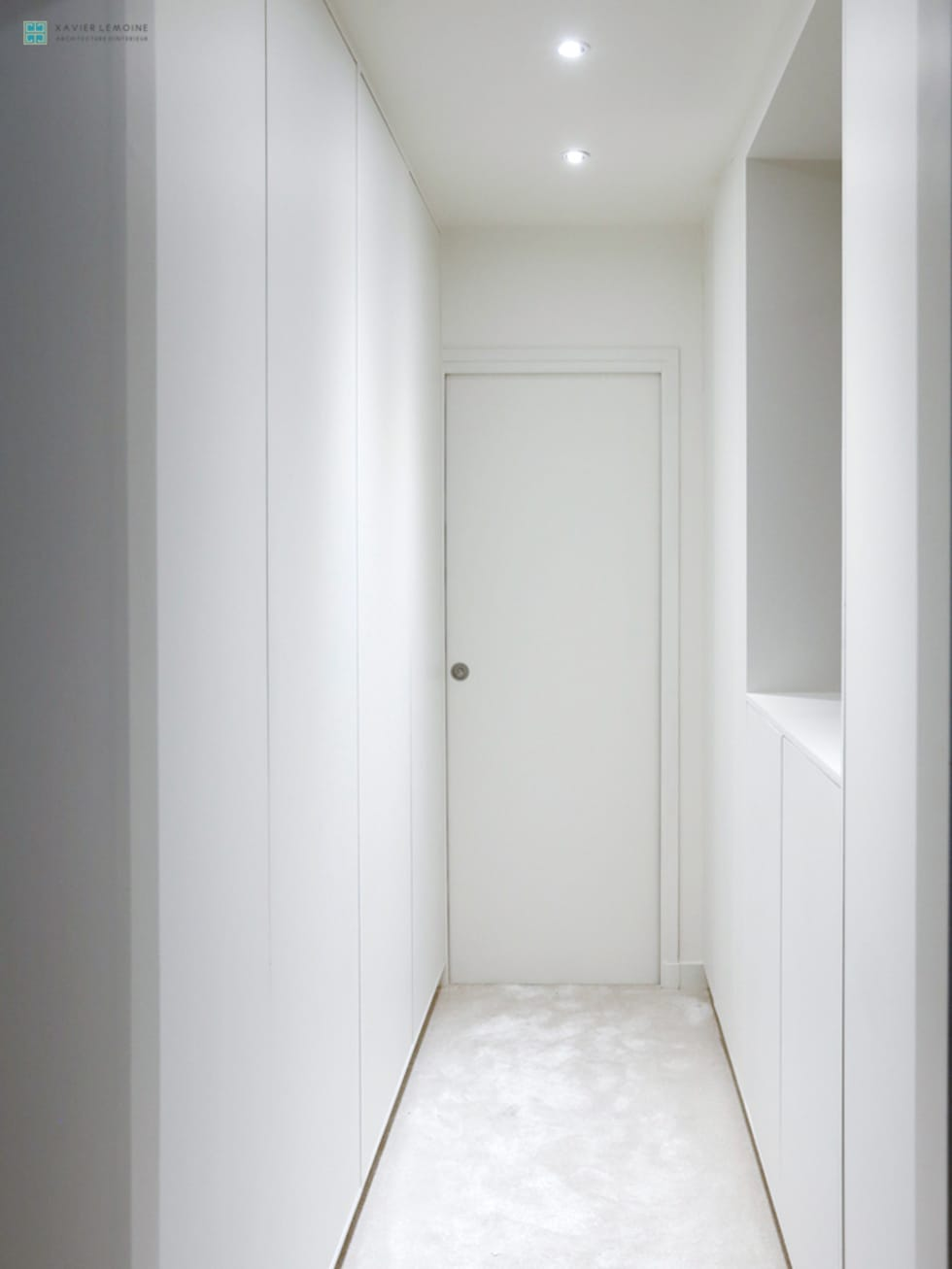 Dressing épuré: Dressing de style de style Moderne par Xavier Lemoine Architecture d'Intérieur