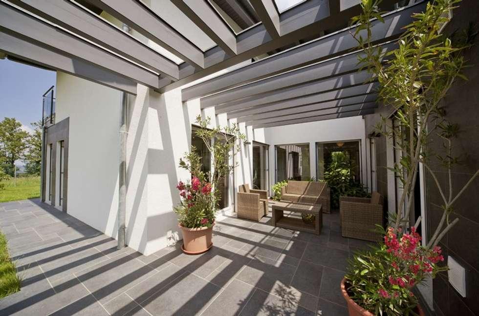 Idee arredamento casa interior design homify for Casa in stile ranch con veranda