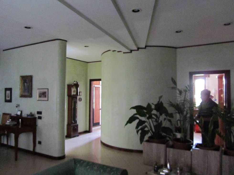 Interni: Ingresso & Corridoio in stile  di Cesario Art&Design
