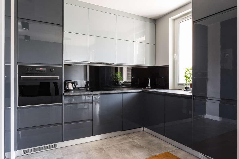 Кухни бело серые угловые