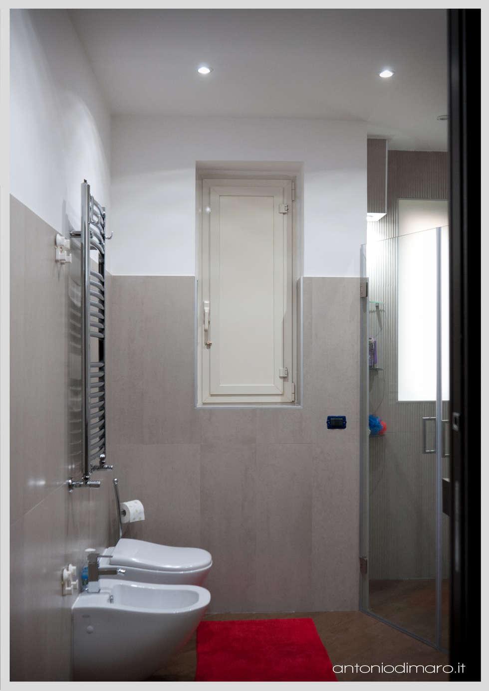 Il  bagno : Bagno in stile in stile Moderno di antoniodimaro&partners