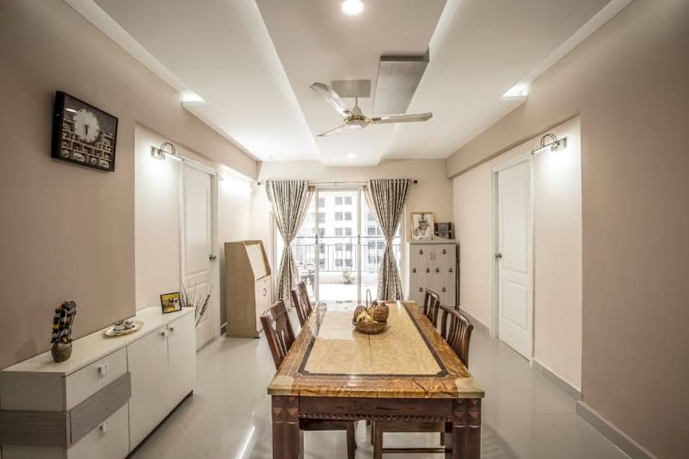 Ezhilagam: modern Dining room by Spacestudiochennai