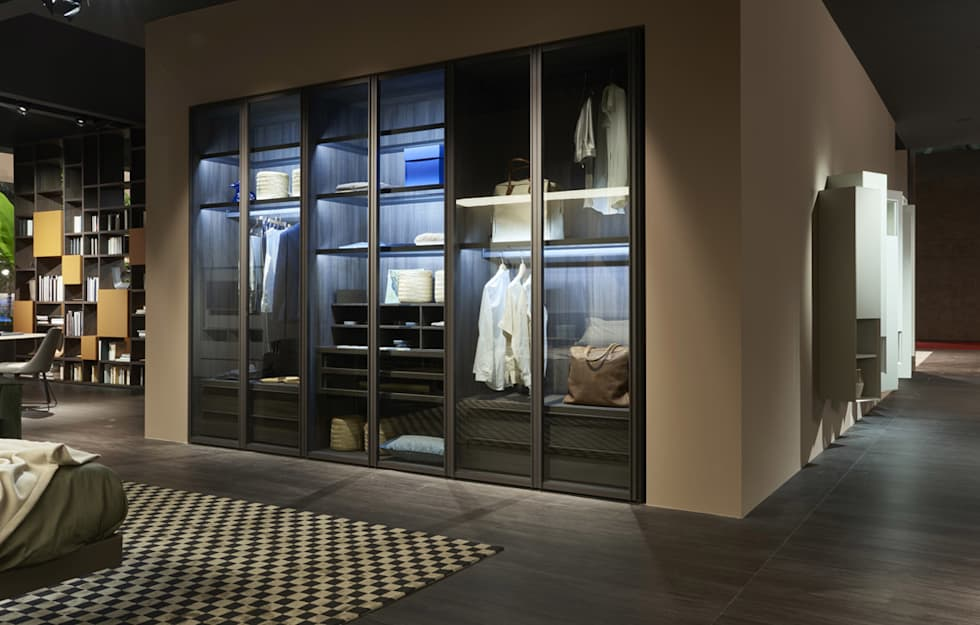 Kleiderschrank Mit Glastüren: Moderne Ankleidezimmer Von Livarea