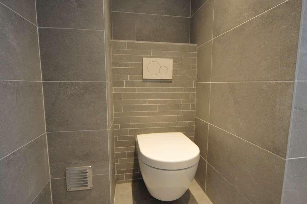 wandcloset Villeroy en Boch: moderne Badkamer door AGZ badkamers en sanitair