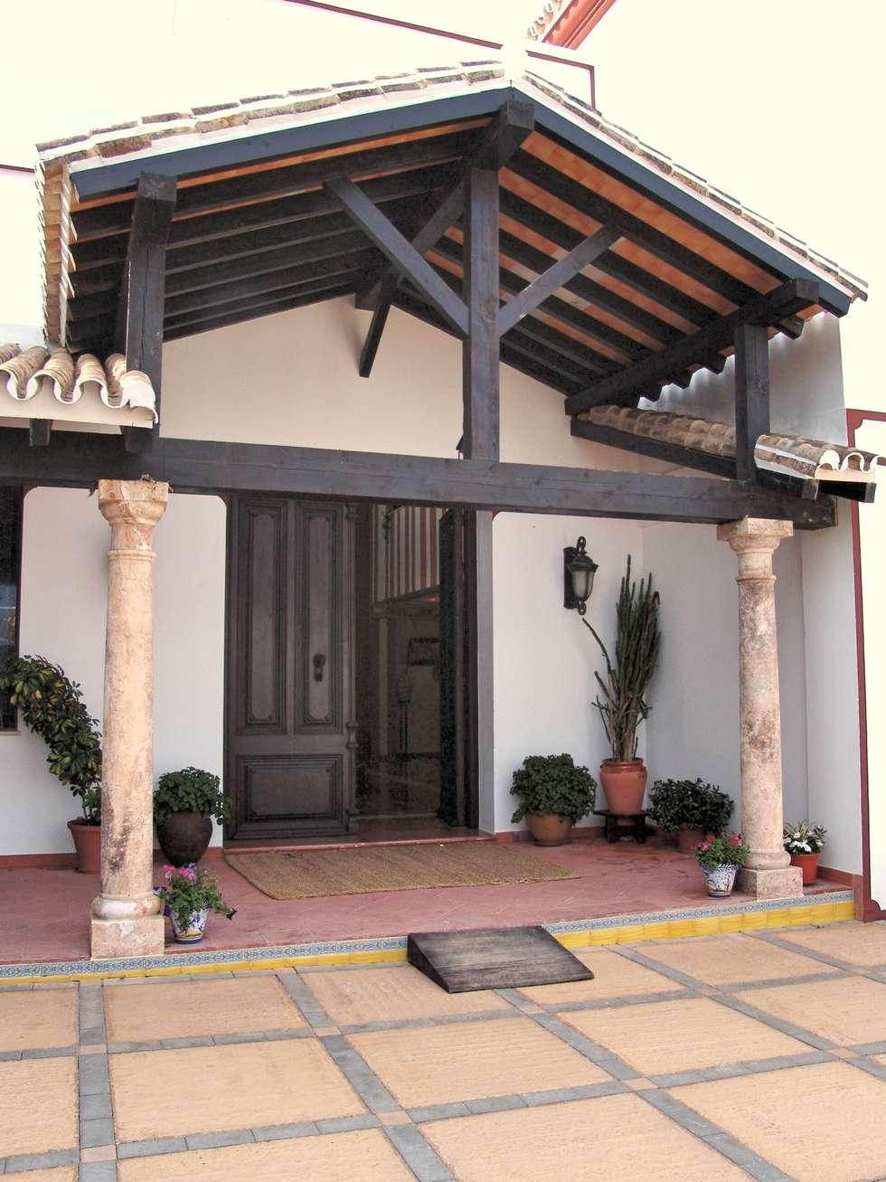 Tejado de madera con piedra y vigas de madera con tejado - Estructura tejado madera ...