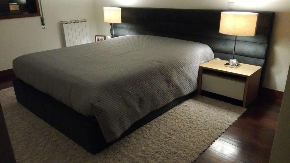Conforto e Individualidade : Quartos modernos por Favos Comércio de móveis e artigos para decoração lda.