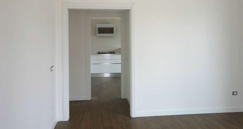 Foto di cucina in stile in stile moderno : cucina vista dal ...