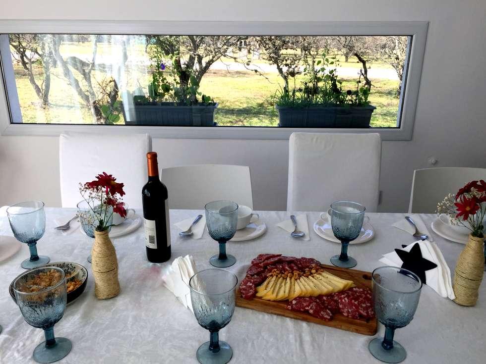 Comedor: Comedores de estilo moderno por VETA & DISEÑO