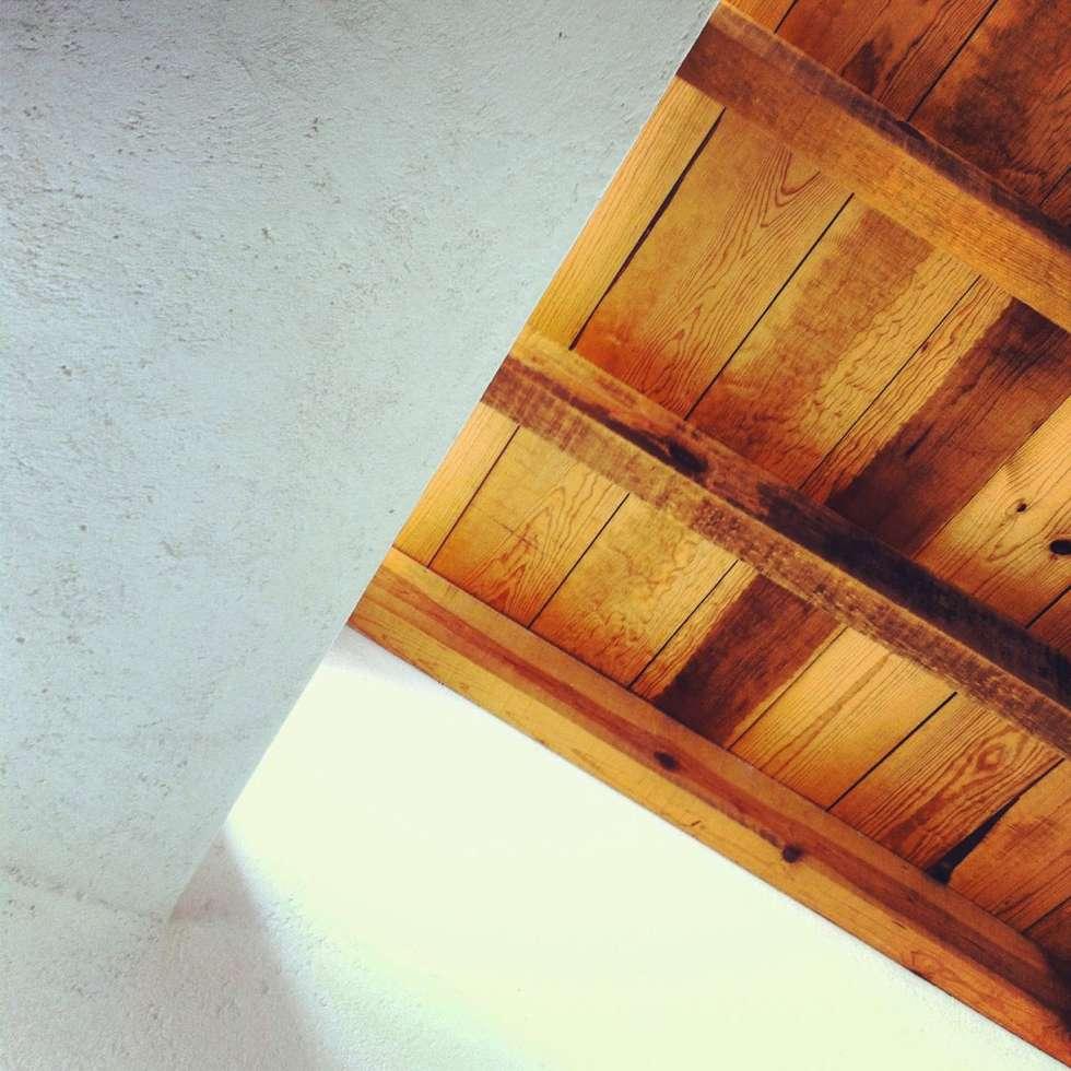 Casa Coatepec: Casas de estilo colonial por idA Arquitectos