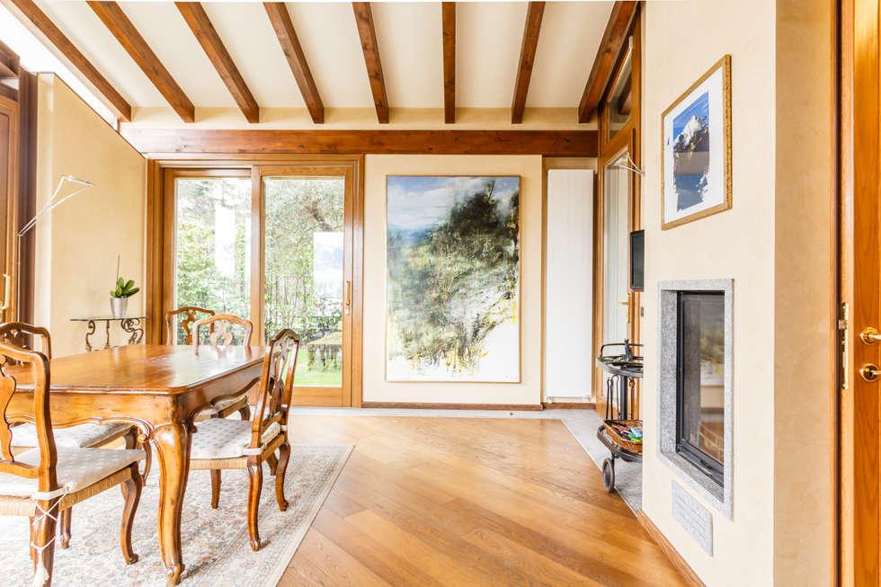 Boite Maison: esempi di home staging, home relooking e fotografia immobiliare. : Sala da pranzo in stile in stile Eclettico di Boite Maison