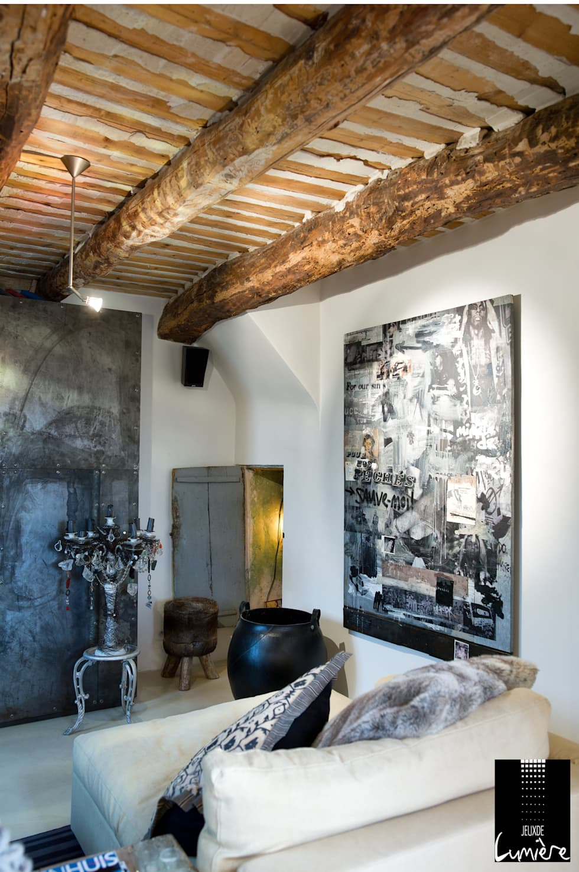 Salon cosy: Salon de style de style Scandinave par Jeux de Lumière