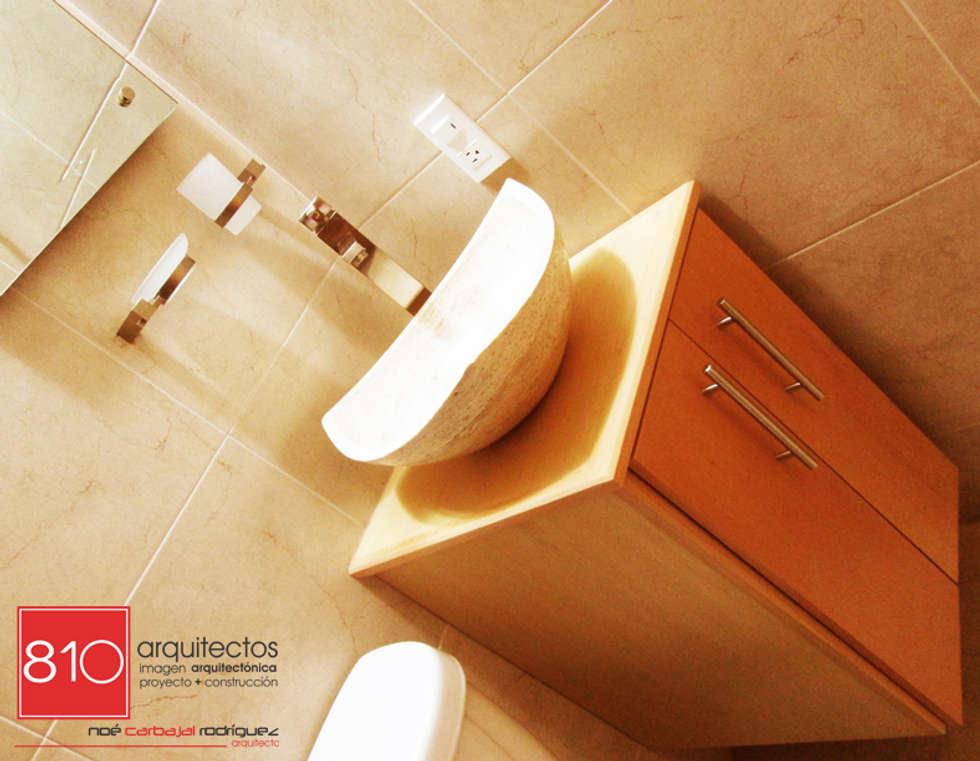 Casa Habitación. Amézquita Córdova: Baños de estilo  por 810 Arquitectos