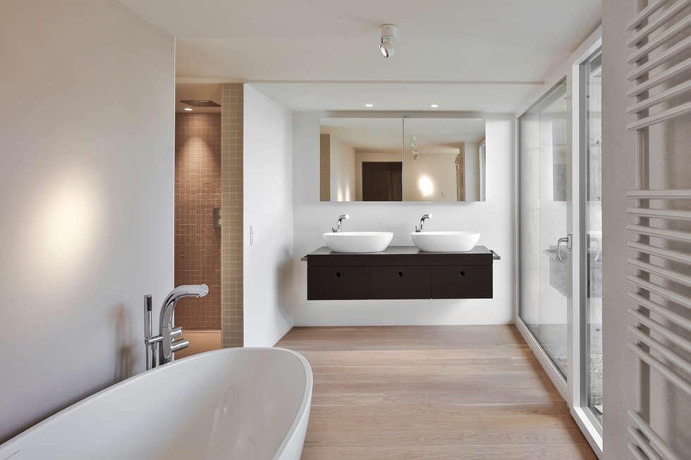 Badezimmer: moderne Badezimmer von gerken.architekten+ingenieure