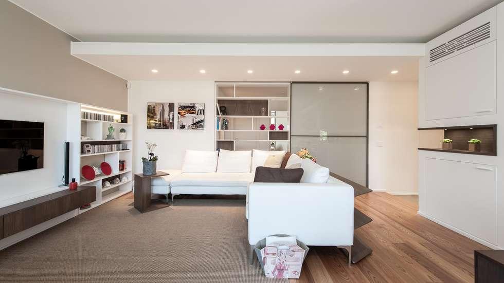 Foto di soggiorno in stile in stile minimalista : casa l+l ...