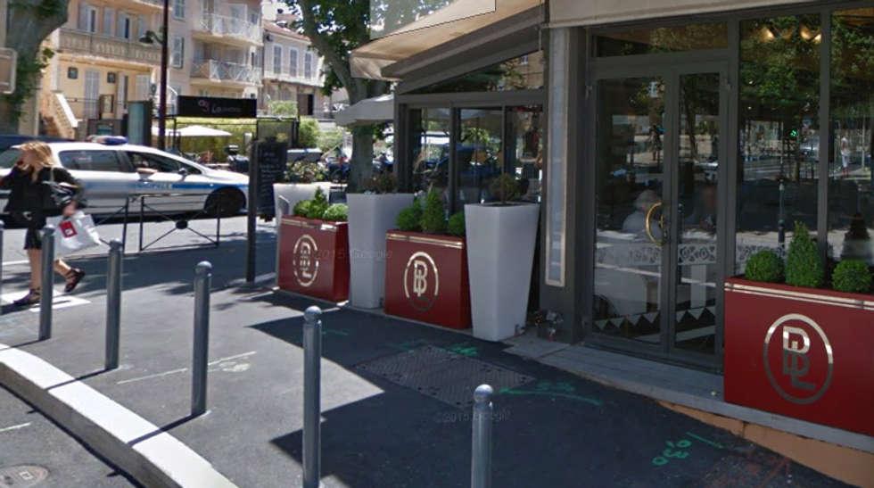 Jardinières Image'In personnalisées pour terrasses de restaurant: Hôtels de style  par ATELIER SO GREEN