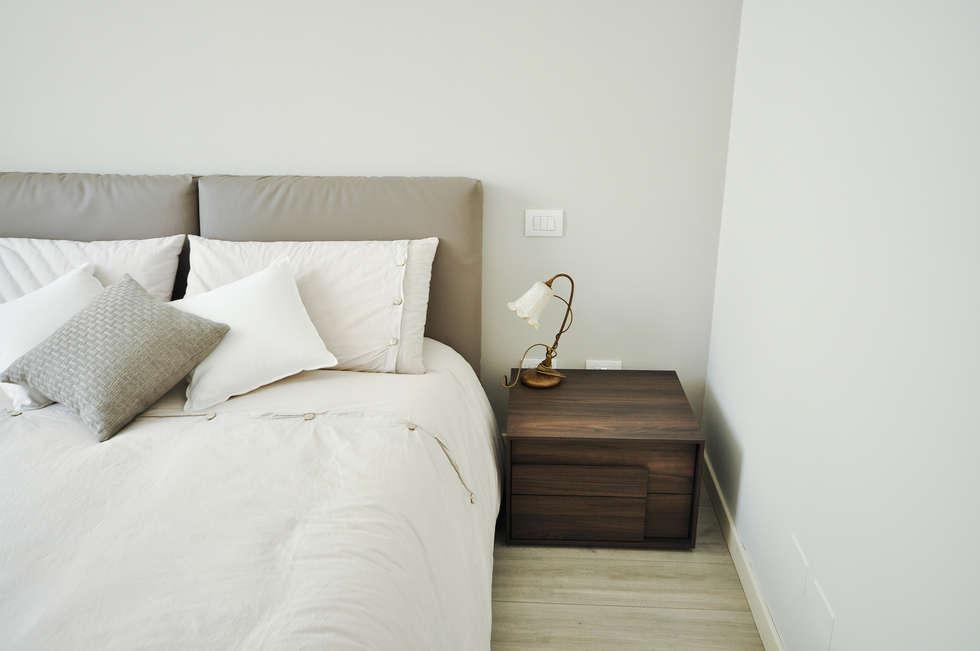 MCArc Interior Design Casa FR: Camera da letto in stile in stile Moderno di MCArc Laboratorio di architettura sostenibile