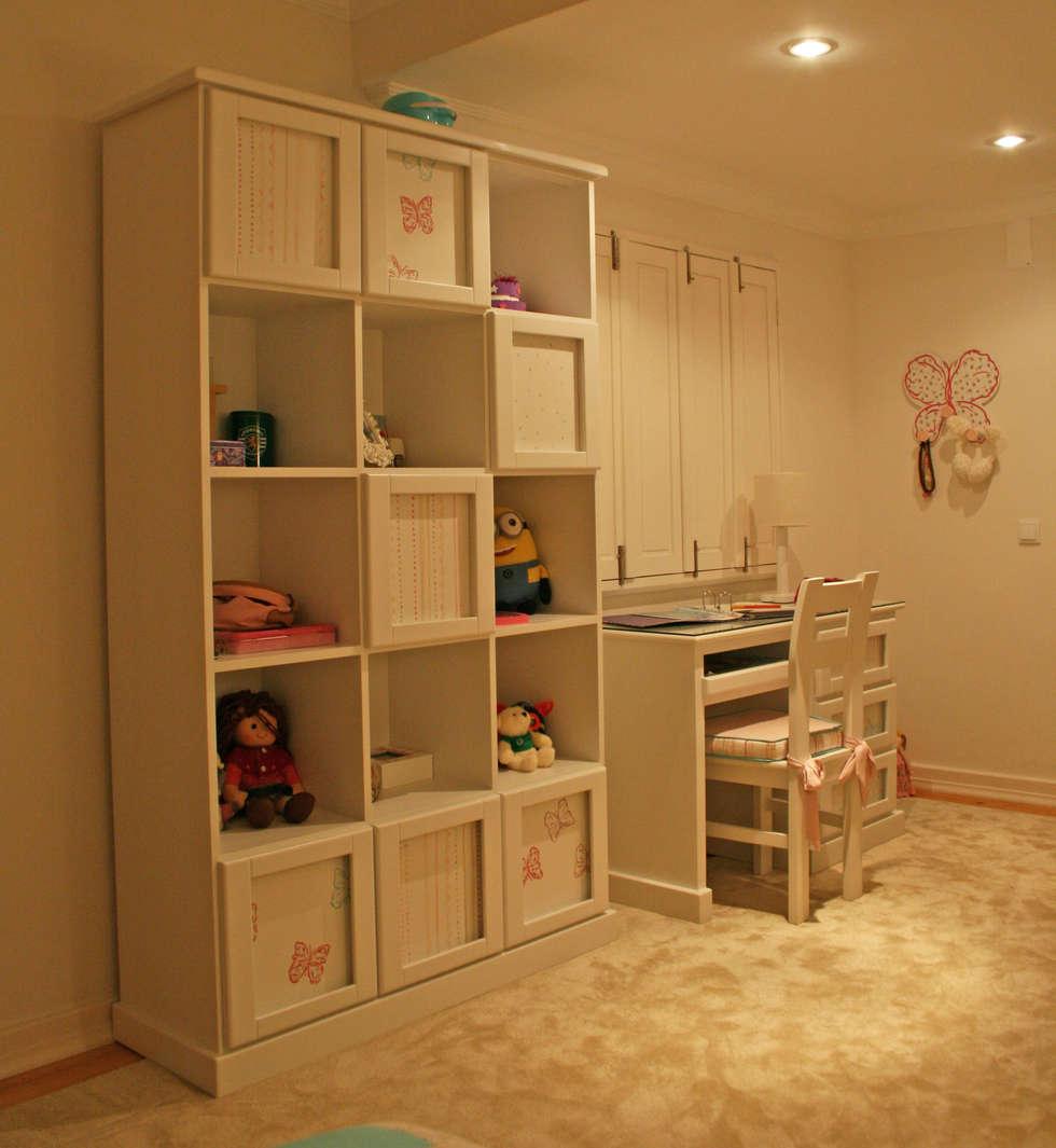 Quarto de menina: Quartos de criança ecléticos por Oficina Rústica (OFR Unipessoal Lda)