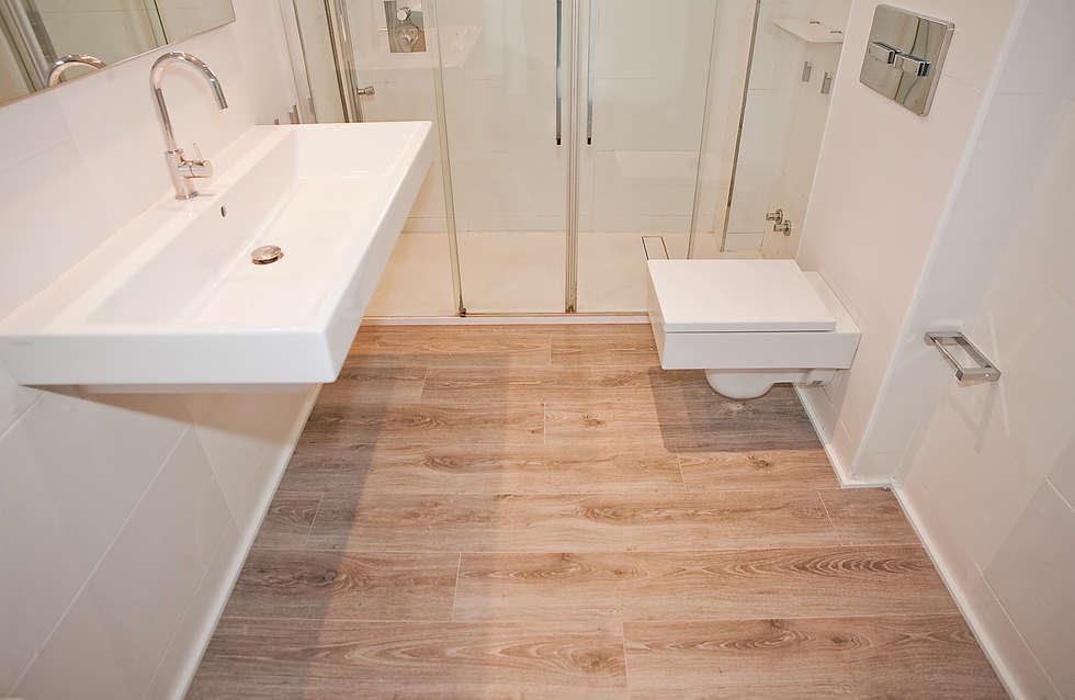 Pavimento de cuarto de ba o ba os de estilo mediterr neo - Pavimento para banos ...