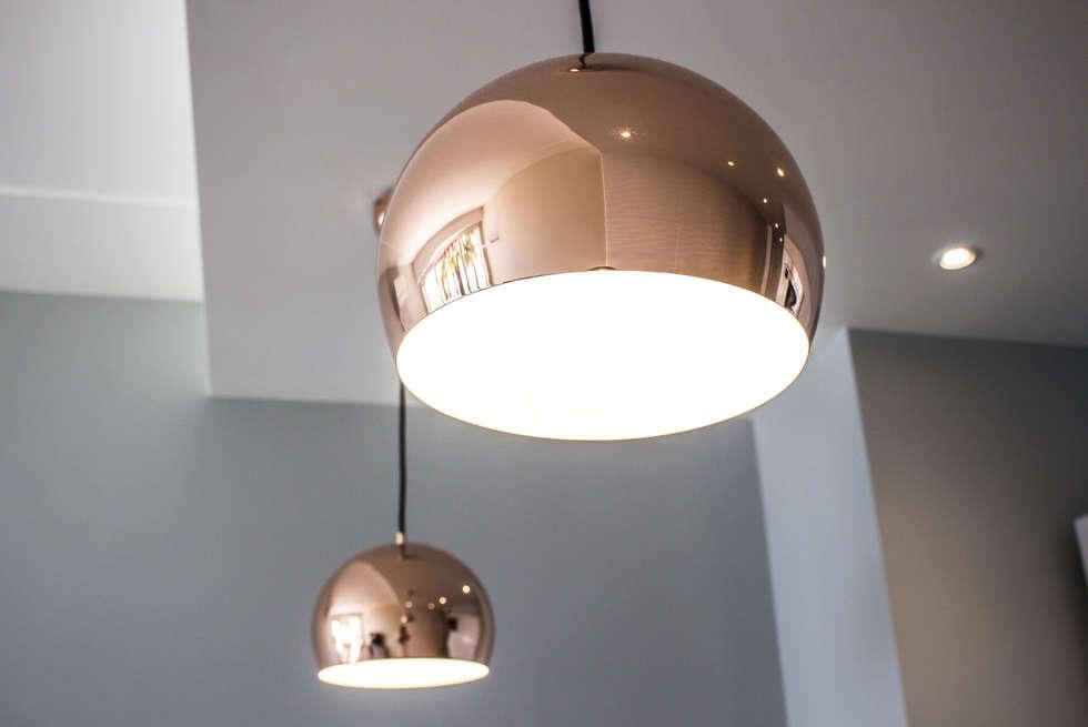 Studio Promenade des Anglais: Cuisine de style de style Moderne par Blue Interior Design
