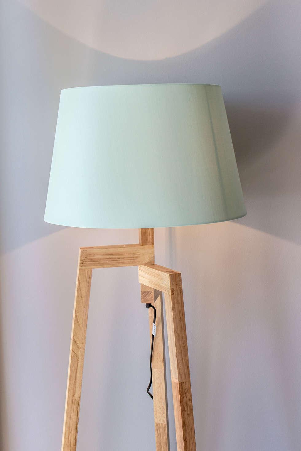 Studio Promenade des Anglais: Salon de style de style Moderne par Blue Interior Design