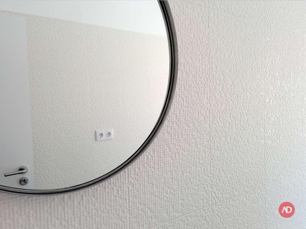 Remodelação Prédio: Casas de banho modernas por ARCHDESIGN | LX