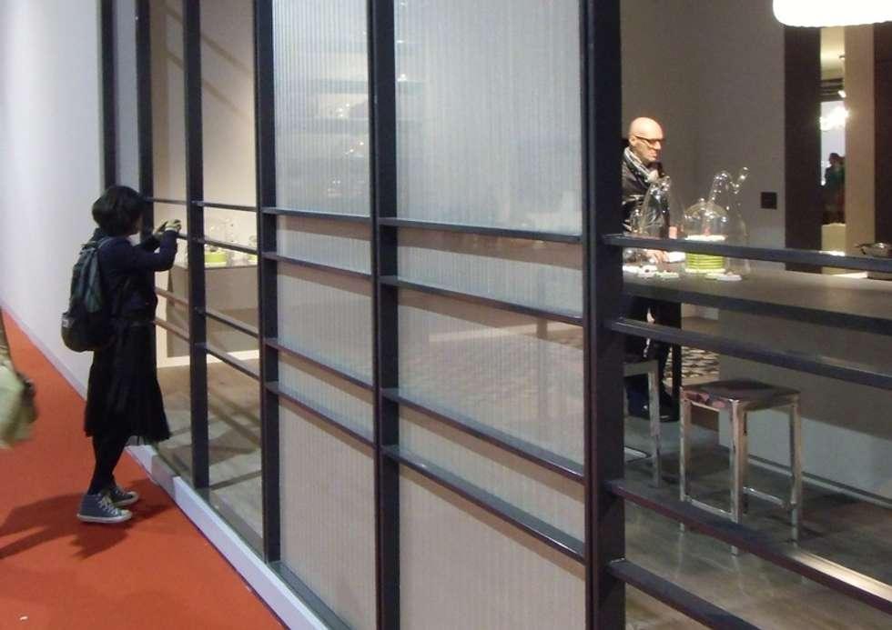 STAND ALF -Fiere/Eventi: Pareti in stile  di Tessitura Tele Metalliche Rossi