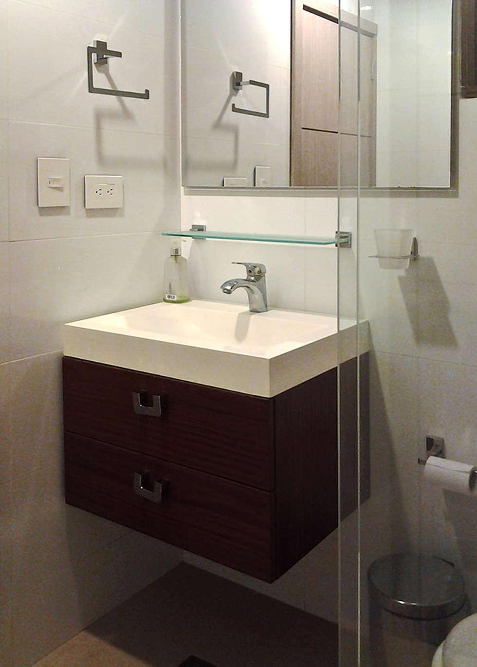 Muebles de baño: Baños de estilo moderno por Remodelar Proyectos Integrales
