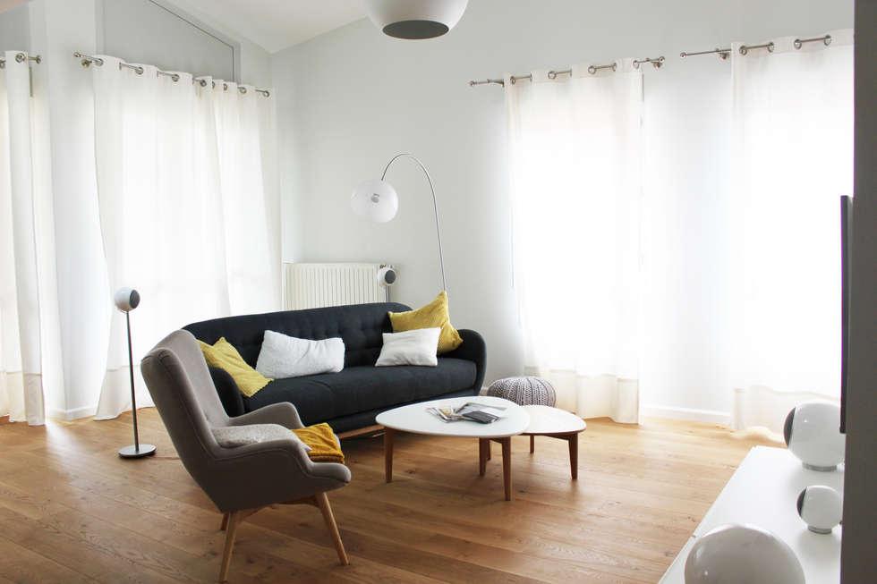 Salon: Salon de style de style Moderne par AMNIOS