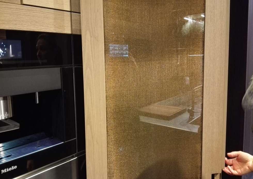 ARCLINEA – SALONE DEL MOBILE: Pareti in stile  di Tessitura Tele Metalliche Rossi