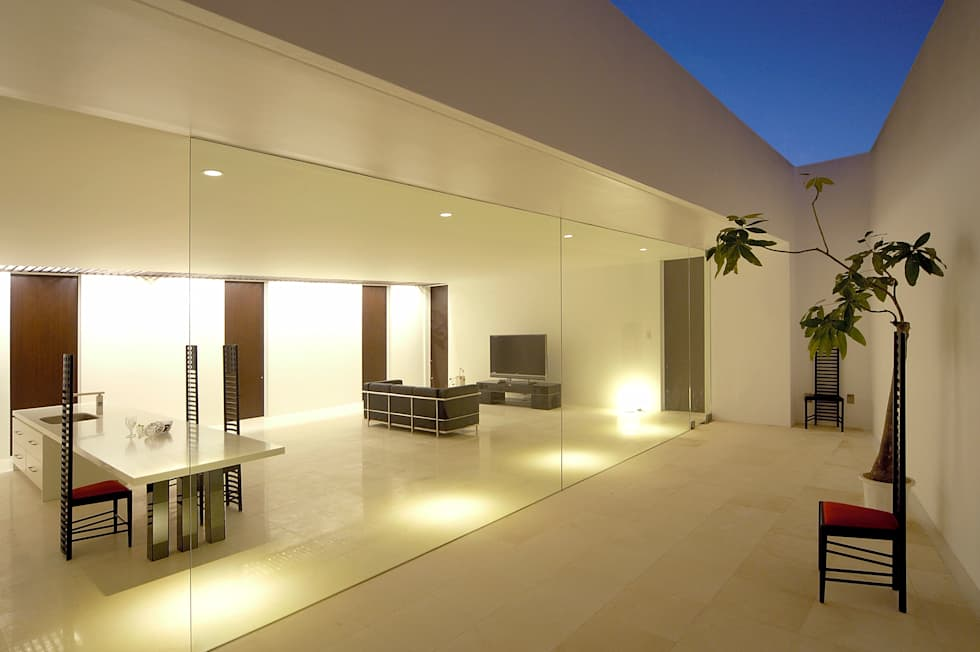 Jardines de estilo minimalista por 門一級建築士事務所