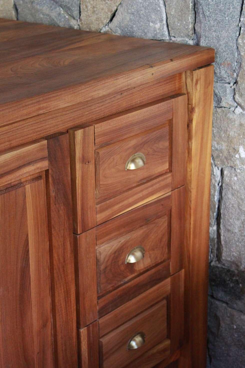 Mueble de cocina: cocinas de estilo rústico por enrique ramirez ...
