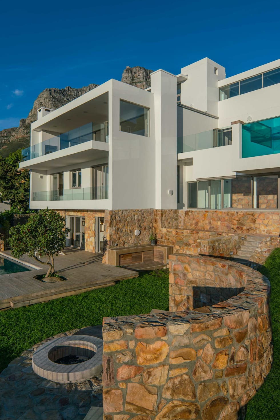 House i atlantic seaboard cape town i marvin farr architects modern houses by marvin