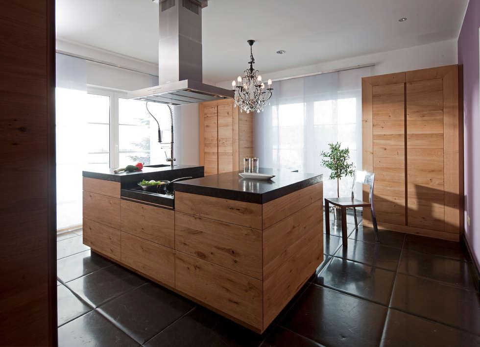 Moderne küche im chalet style moderne küche von baur wohnfaszination gmbh
