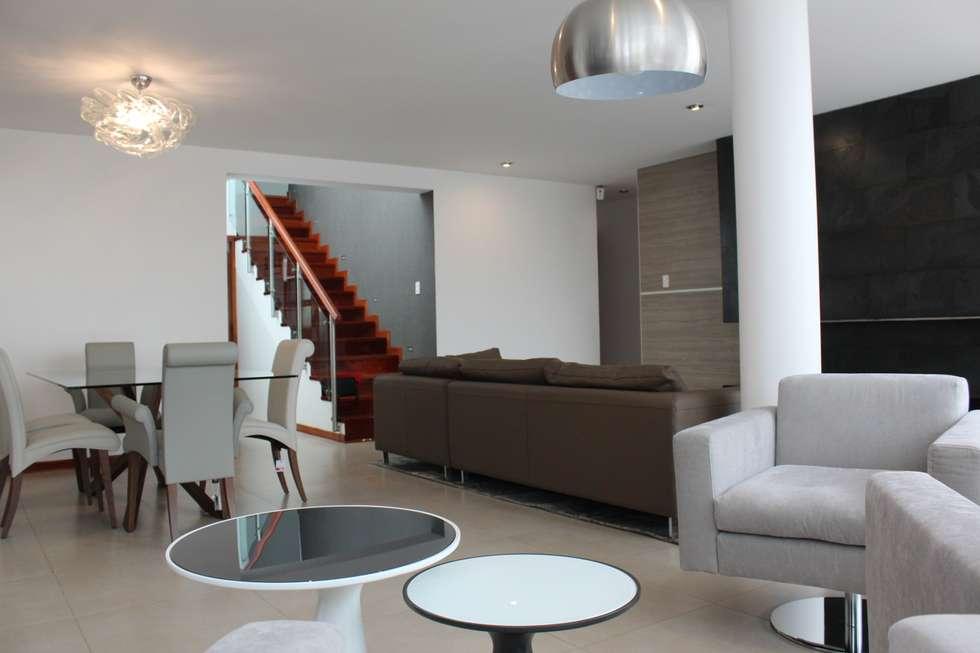 Sala Comedor Estar: Salas / recibidores de estilo minimalista por Soluciones Técnicas y de Arquitectura