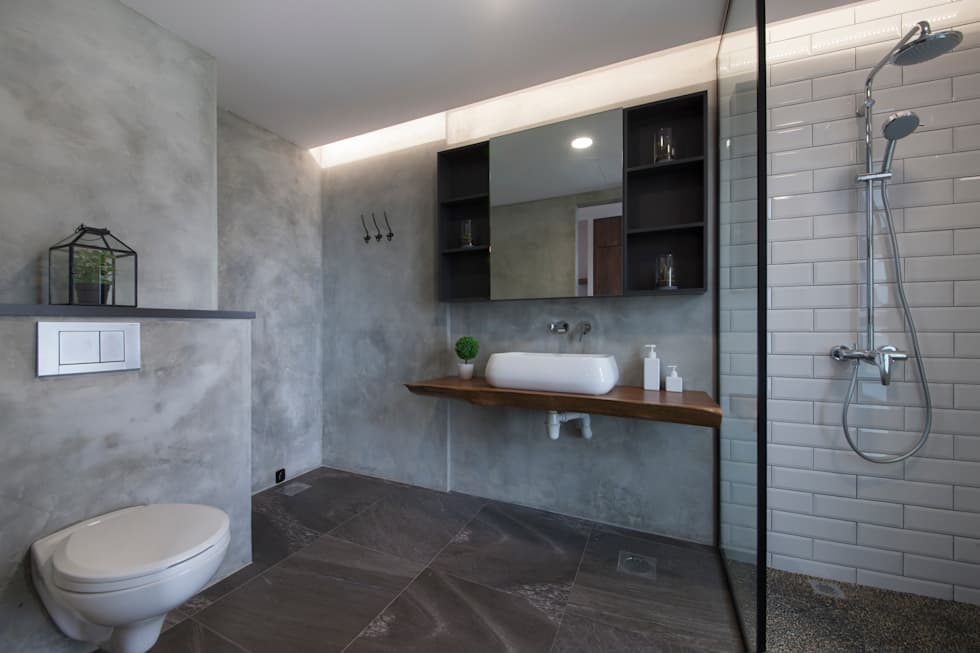 THE BELVEDERE: eclectic Bathroom by Eightytwo Pte Ltd