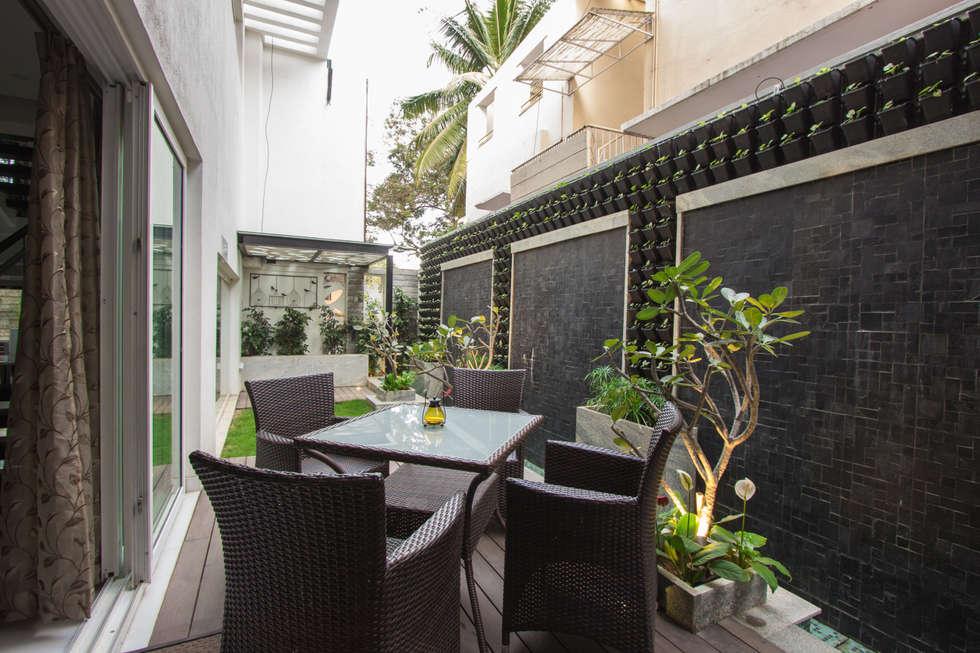 Contermporary Elegance: modern Garden by A360architects