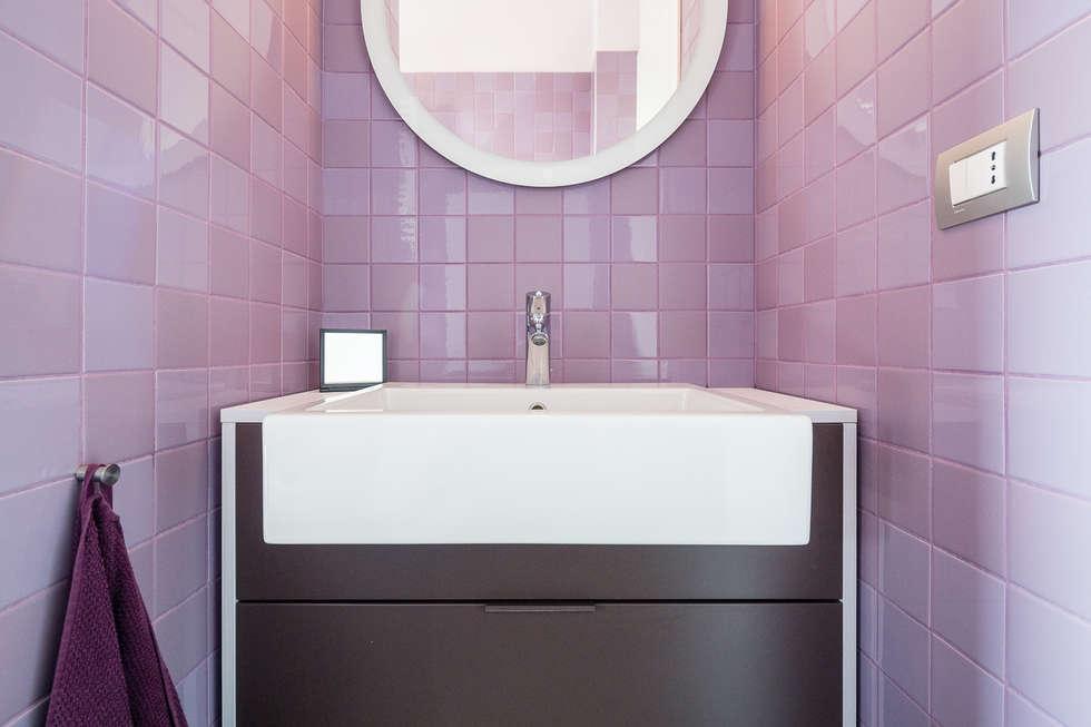 Five little pigs - Un casa per tanti bambini: Bagno in stile in stile Moderno di 23bassi studio di architettura