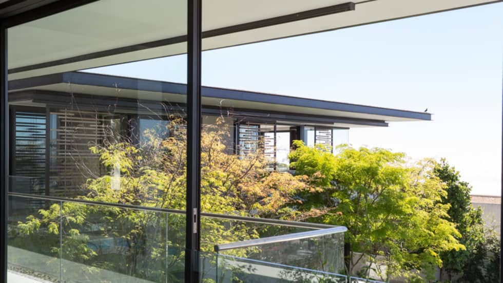 Hiding the House: modern Houses by Jenny Mills Architects