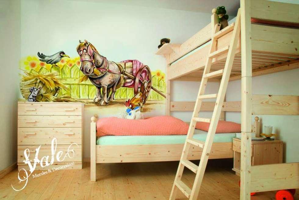 Fattoria: Stanza dei bambini in stile in stile Rustico di Vale murales e decorazioni